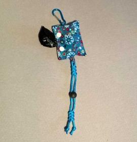 Kotbeutelspender für leere und volle Beutel - mit Karabiner an Leine oder Hose einzuhängen
