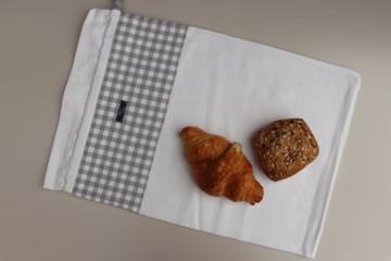 Brotbeutel *Farina* grau-kariert Baumwolle weiß von friess-design mit Kordel   - Handarbeit kaufen