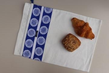 Brotbeutel *Nonno* blau-weiß Baumwolle weiß mit Kordel von friess-design   - Handarbeit kaufen