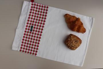 Brotbeutel *Farina* rot-grün-kariert Baumwolle weiß von friess-design mit Kordel - Handarbeit kaufen