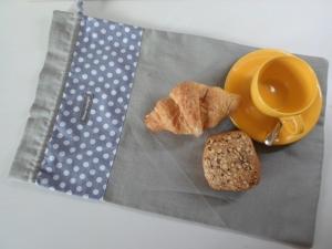 Brotbeutel *de luxe* Leinen hellgrau/ grau-gepunktet von friess-design mit Baumwollkordel  - Handarbeit kaufen