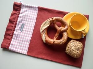 Brotbeutel *de luxe* Leinen rostrot/ rosa-weiß kariert von friess-design mit Baumwollkordel