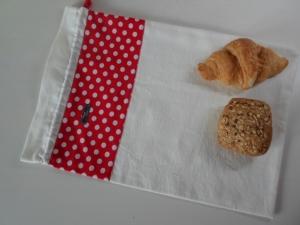 Brotbeutel *Pisa* Baumwolle weiß/ gepunktet von friess-design - Handarbeit kaufen