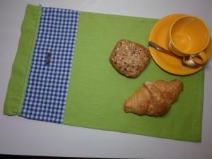 Brotbeutel *de luxe* Leinen grün/ blau kariert von friess-design mit Baumwollkordel  - Handarbeit kaufen
