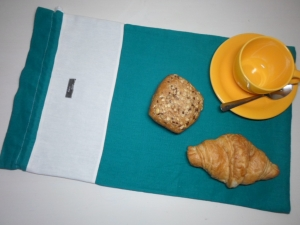 Brotbeutel *de luxe* Leinen türkis/ weiß von friess-design mit Baumwollkordel