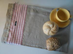 Brotbeutel *de luxe* Leinen natura beige / *Farina rosa* von friess-design mit Kordel