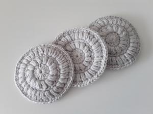Kosmetikpads/ Abschminkpad Baumwolle *hellgrau* 3 Stück von friess-design - Handarbeit kaufen