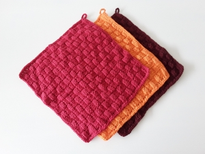 gestrickte Waschlappen aus Baumwolle im 3er-Set *rosso* von friess-design - Handarbeit kaufen