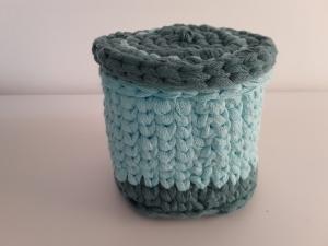 Häkelkörbchen/ Utensilo/ Aufbewahrungsbox mit Deckel rund *hellblau* von friess-design - Handarbeit kaufen