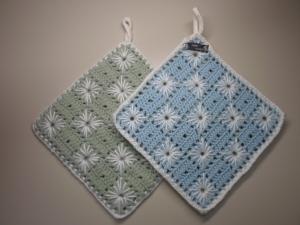 Topflappen Baumwolle hellblau/ hellgrün gehäkelt 2 Stück
