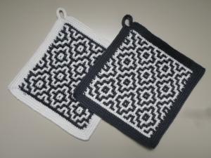 Topflappen Baumwolle antrazit/ weiß gehäkelt 2 Stück  - Handarbeit kaufen