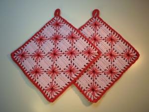 Topflappen Baumwolle flieder/ rot 2 Stück - Handarbeit kaufen