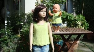 gestricktes apfelgrünes Baumwoll-Top für Kind und Puppe, Größe 104 / 43