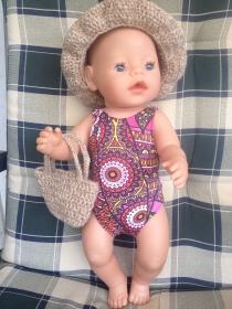 genähter Puppenbadeanzug (Handarbeit) und gehäkelter Hut und Tasche
