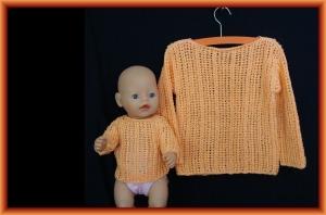 gestrickter Lochmusterpullover in apricot aus Baumwolle für Kind und Puppe, Gr. 98/104