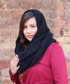 LOOP hoods scarf in black,RUndschal in schwarz für Sie und Ihn! Winter Knitting!