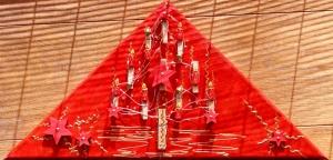 Wanddeko KLAMMERBÄUMCHEN Weihnachtsbaum Weihnachtsdeko Wanddeko Christbaum Künstlerbaum mit LED-Beleuchtung   - Handarbeit kaufen