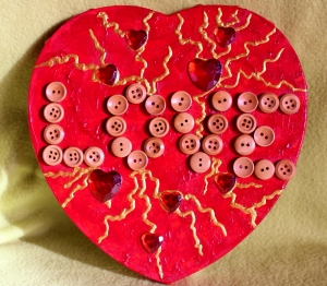 Acrylbild Collage LOVE  Herz Herzbild Valentinstag Geschenk Muttertag Acrylbild  Bild auf herzförmigem Keilrahmen  - Handarbeit kaufen