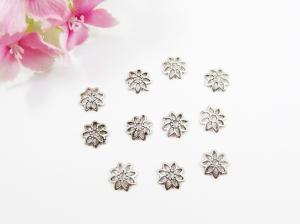 50 Perlenkappen 8mm, filigran, in Blumenform, Farbe silber antik