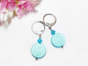 Edelstahl Ohrringe mit türkisfarbenen Polarisperlen und Glasschliffperlen - Handarbeit kaufen