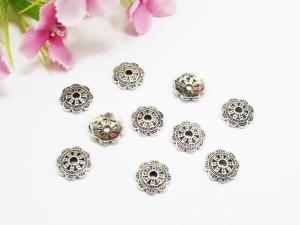 30 Perlenkappen 10mm, in Blumen-Form, mit Muster, Farbe silber antik - Handarbeit kaufen