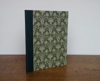 Sammelmappe A4 mit eleganter Grafik in dunkelgrün Sanico Verde und Gummiband