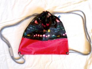 Turnbeutel für Kinder (oder Damen!) mit Schulmotiv aus beschichteter Baumwolle