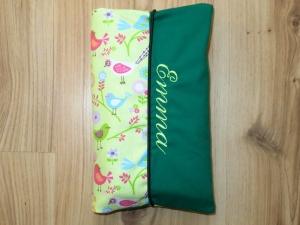 Wickeltasche mit Namen bestickt individuelles Babygeschenk Baby Unterwegs Windeletui  Mädchen Wunschname personalisiert  Vögel Blumen Grün