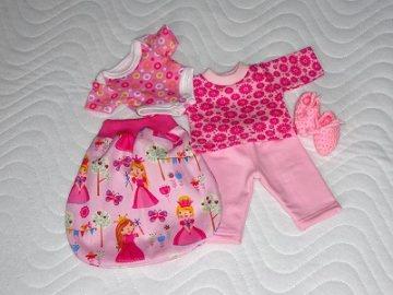 5 tlg. Puppenkleider Set  Schlafsack, Body, Puppen Schlafanzug & Bettschuhe.26-27 cm