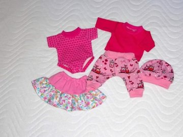 5 tlg. Puppenkleider Set Pumphose Shirt Mütze Body Rock ca. 32-33 cm