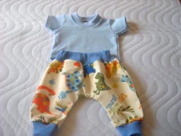 2 tlg. Puppenkleider Set Pumphose & Shirt Dino Jungs Weichkörper Puppen ca. 46-48 cm - Handarbeit kaufen