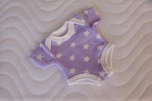 Handgemachter Body für Puppen Baumwolljersey mit Sterne ca. 26-27 cm  - Handarbeit kaufen