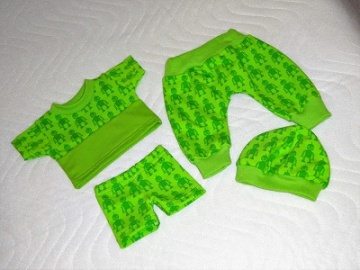 Handgemachtes 4 tlg. Puppenkleider Set 2 Hosen, Shirt & Mütze ca.36-38 cm