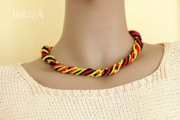 Mehrstrangkette schwarz-rot-gelb Fußball Fanschmuck Wickelkette - Handarbeit kaufen