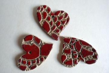 Geschenkanhänger-Set ♥Herz♥ 3 kleine Herzen aus Keramik mit Muster