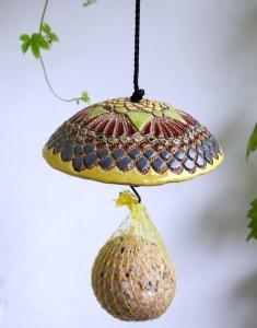 Meisenknödelhalter FILIGRAN Meisenknödeldach aus  Keramik