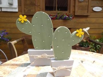handbemalter Holz Kaktus mit Blüten  (Version oval groß)