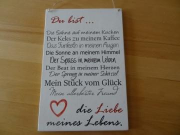 romantische Liebeserklärung auf einem Holzschild