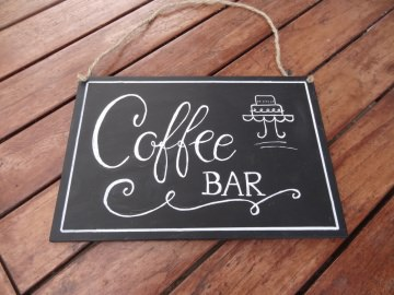 handbemaltes Vintage Kreideschild Coffee Bar für die Hochzeitsdekoration