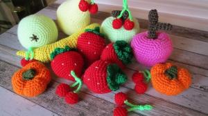 gehäkeltes Obst für Kinderküche und Kaufladen
