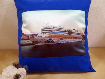 Schöner Kissenbezug mit dem Kreuzfahrtschiff AIDASol