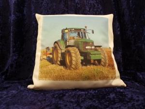 Wunderschöner naturfarbener Kissenbezug Leinenoptikmit Traktor John-Deere®