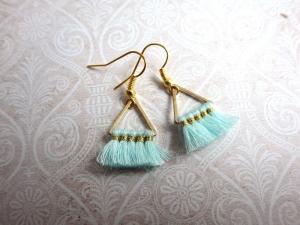 Statement Ohrringe mint Triangel - goldfarbene Ohrhänger mit geometrischen Metall Anhänger - Handarbeit kaufen