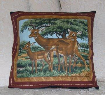 Kissenbezug / Kissenhülle mit Antilopen in der Savanne