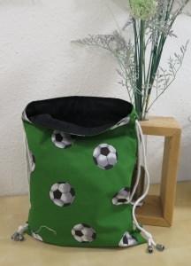 Rucksack / Turnbeutel in grün mit Fußballmotiv für Jung und Alt
