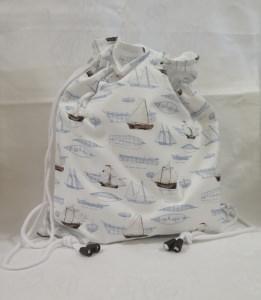 Rucksack / Turnbeutel weiß mit maritimen Motiv Segelschiffe