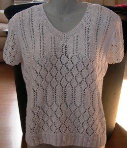 handgestrickter Sommerpullover in weiß mit Ajourmustermix in Größe XL