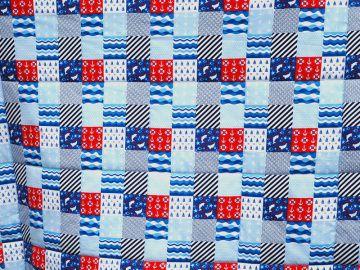 Babydecke, Krabbeldecke, blau, Patchworkdesign