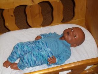 Blauer gestrickter Pullover mit Hose für kleine Jungs in Größe 50 - 56