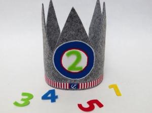 Geburtstagskrone Anker Krone für Jungs in grau rot weiß und blau
